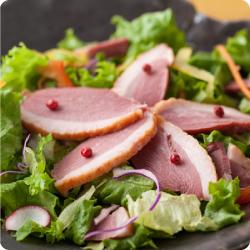 あい鴨スモークのサラダ